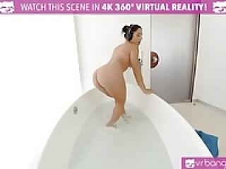 VR PORN-Outrages  Syren De Mer eating Abella Danger's pussy