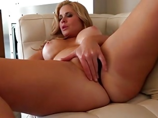 Milf Blonde of the hot body