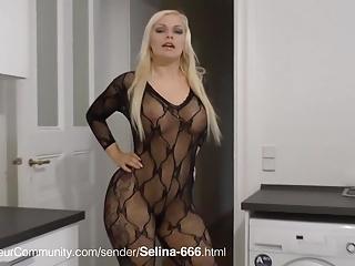 Selina-666 beim Blasen, Ficken und Pissen