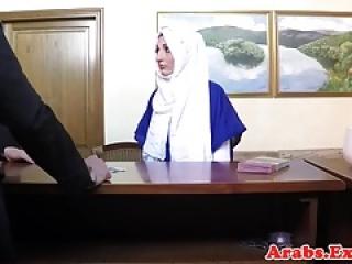 Veiled muslim babe licks balls and cocksucks